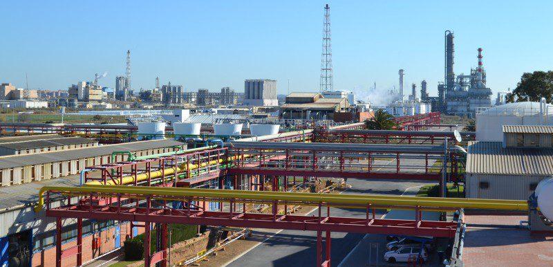 El sector químico español sumará 197.500 empleos directos este año