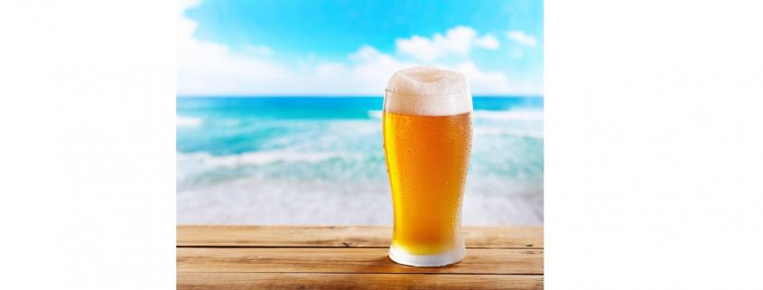 cerveza fría en playa